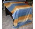 45 zvislé modro-oranžové pruhy